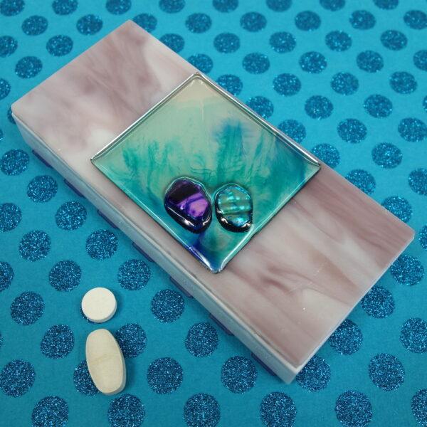 Purple Mirrored Shells Medium 14-dose Pillbox